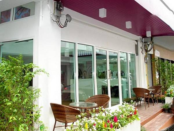 Nantra Ekamai Hotel.jpg
