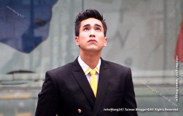 Barry Nadech central world.jpg