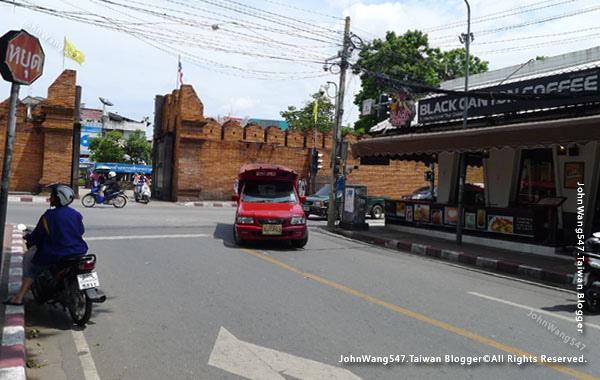 Black Canyon Coffee Chiang Mai Thapae gate.jpg