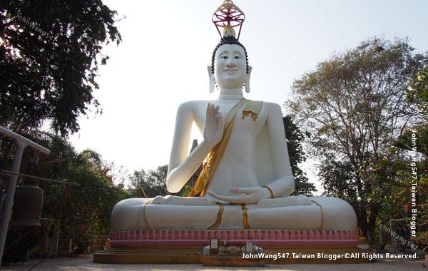 White budda temple koh samed.jpg