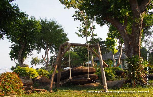 Sai Kaew beach Resort samed trees.jpg