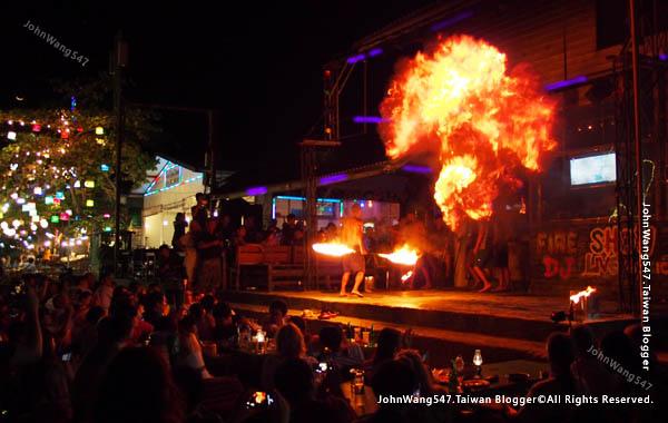 Ploy talay restaurant Fire Show koh samed5.jpg