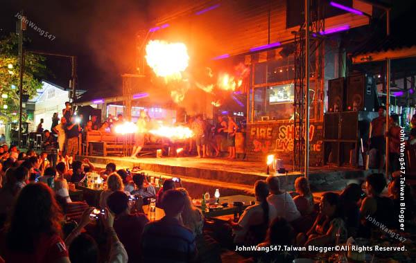 Ploy talay restaurant Fire Show koh samed6.jpg