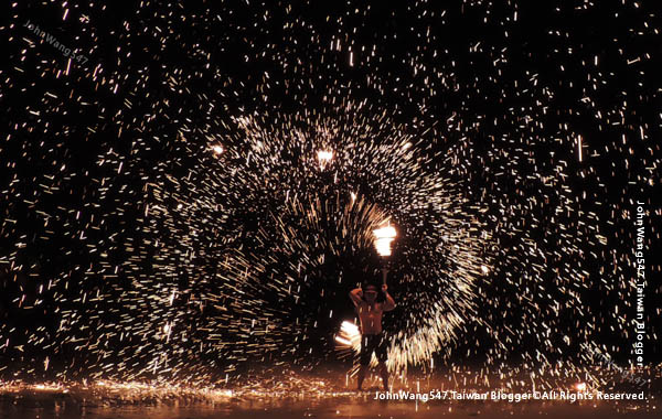 Ploy talay restaurant Fire Show Sai Kaew Beach4.jpg