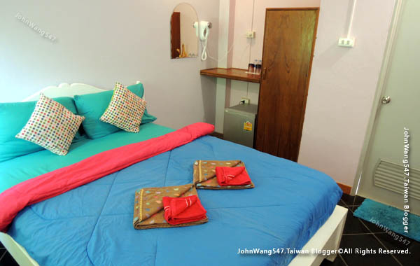 Baan Rom Talay samed guesthouse room.jpg