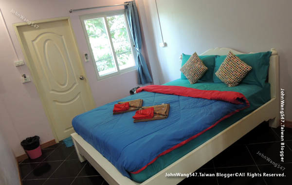 Baan Rom Talay samed guesthouse room4.jpg