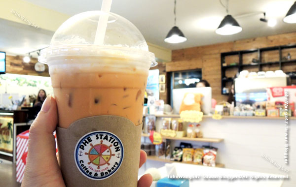 Phe Station coffee shop Rayong Thai Tea.jpg