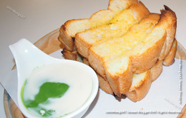 Phe Station coffee shop Rayong Thai Toast.jpg