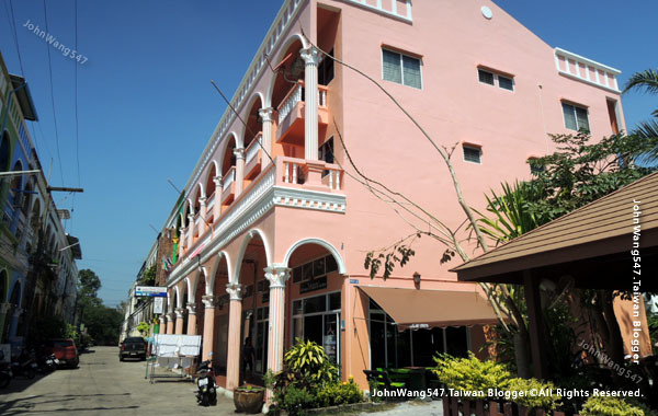 La Paillote Guesthouse & restaurant Rayong.jpg