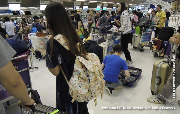 長榮航空EVA Air曼谷飛台北桃園經驗談3.jpg