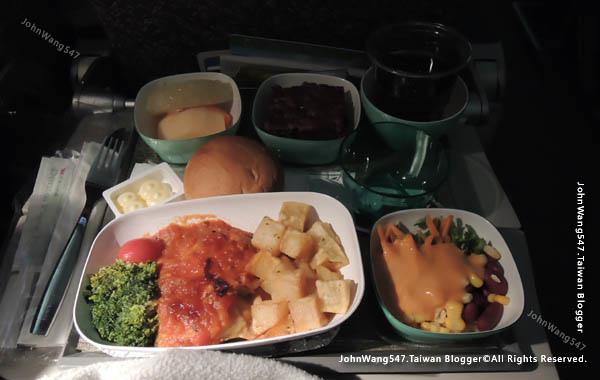長榮航空EVA Air曼谷飛台北桃園經驗談機上餐.jpg