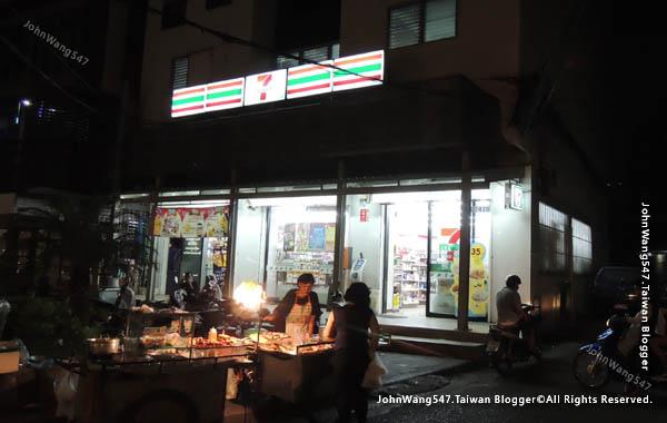 HOTEL de BANGKOK曼谷平價飯店7-11.jpg