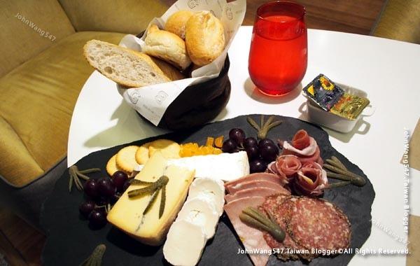 GourmetBar-Novotel Siam Square Hotel11.jpg