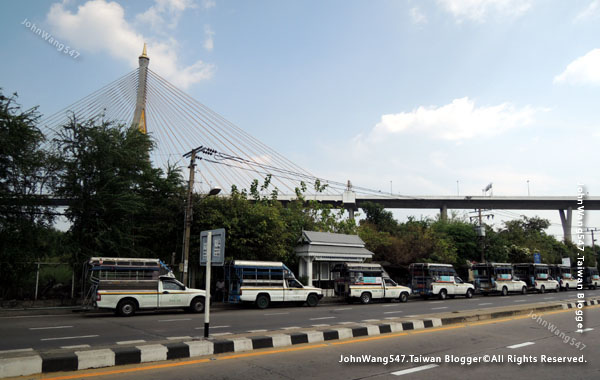 Kanchanaphisek Bridge Chao Phraya river Samut Prakan5.jpg