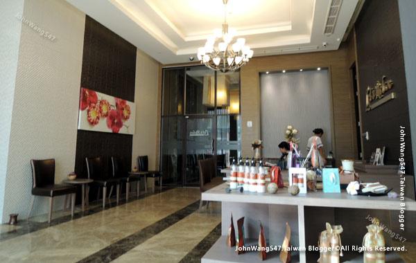 Let's Relax Berkeley Hotel Pratunam3.jpg