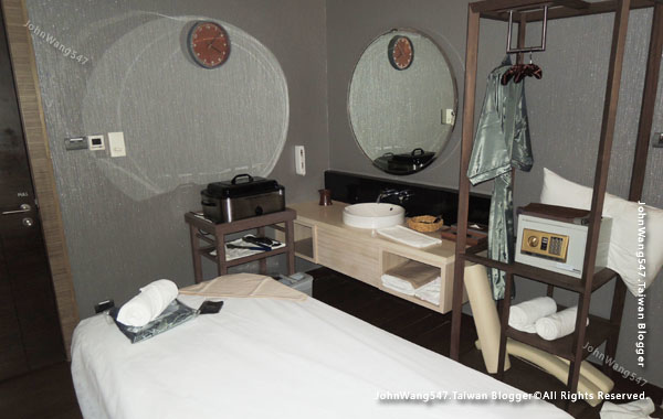 Let's Relax Berkeley Hotel Pratunam SPA ROOM2.jpg