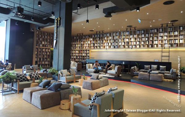 Show DC Bangkok lounge.jpg