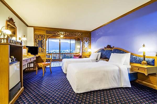 Lotus Pang Suan Kaew Hotel room.jpg