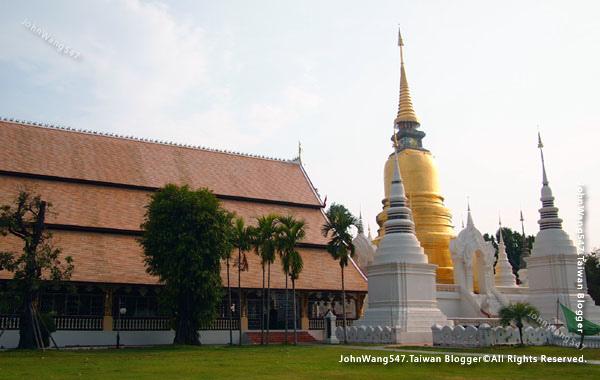 Wat Suan Dok Chiang Mai1.jpg