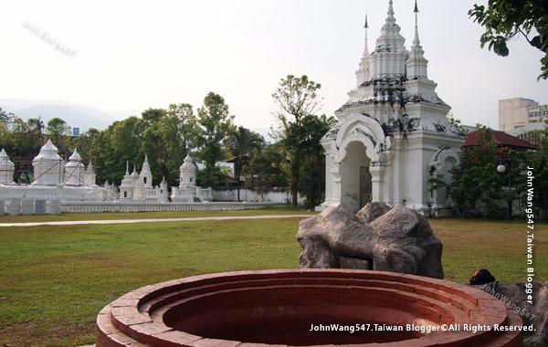 Wat Suan Dok Chiang Mai3.jpg