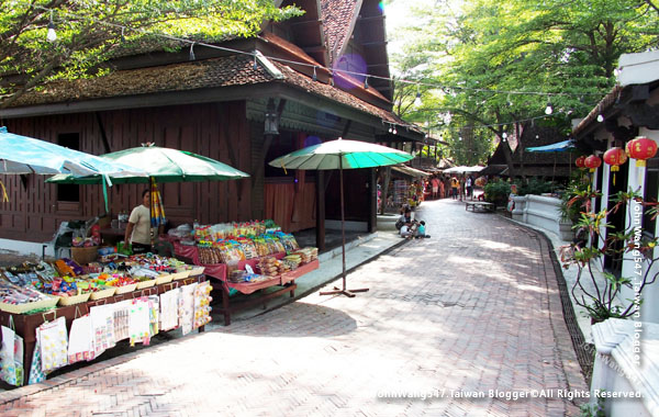 The Ancient City-The Old Market Town Talad Bok in Yannawa.jpg