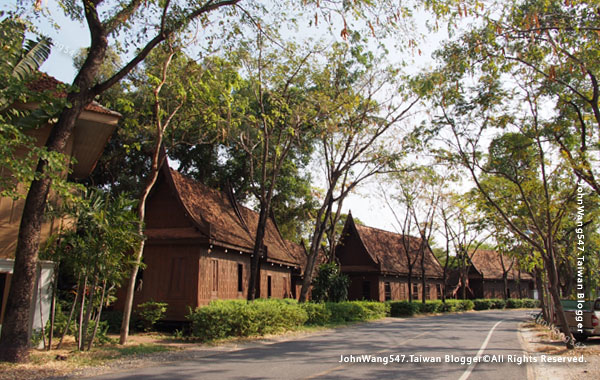 The Ancient City-old Thai house.jpg