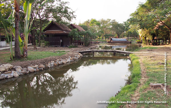 Ancient City-The Floating Market.jpg