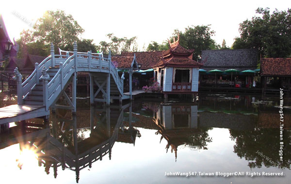 Ancient City-The Floating Market1.jpg