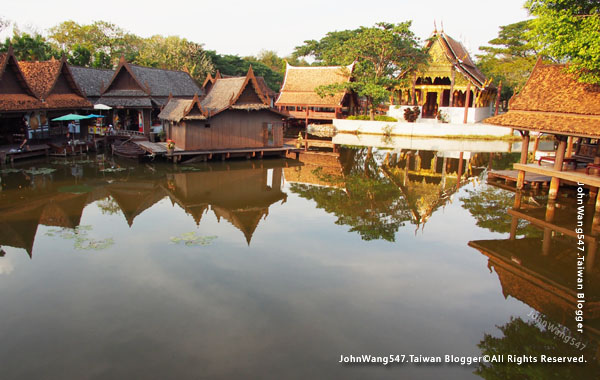 Ancient City-The Floating Market2.jpg