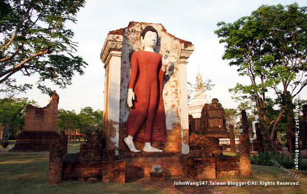 Ancient City-The Grand Hall of Wat Maha That, Sukhothai.jpg