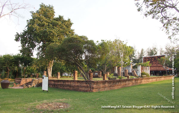 Ancient City-Noen Prasat, Sukhothai.jpg