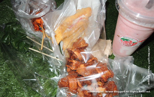 Central Festival Chiang Mai Night Market food.jpg