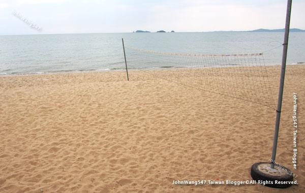 Rayong Chalet Resort beach hotel.jpg