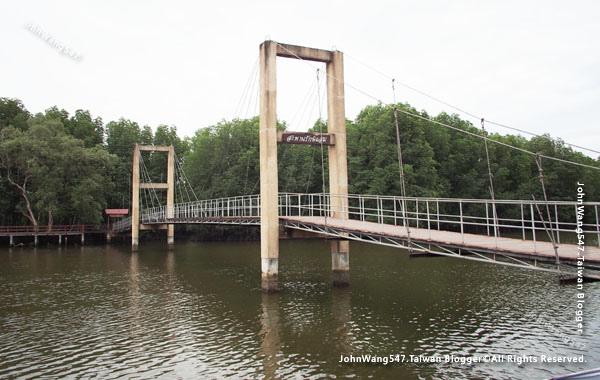 Raksamae Bridge Royong.jpg