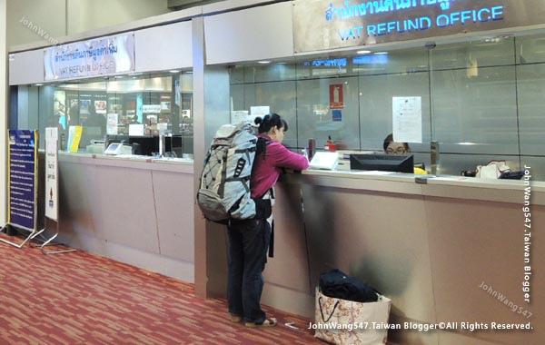 一般航空與廉價航空隨身行李檢查重量限制1.jpg