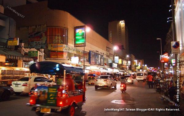 Chiang Mai Night Bazaar2.jpg