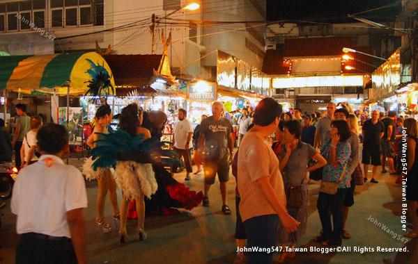 Chiang Mai Night Bazaar-Anusarn Market2.jpg