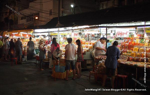 Chiang Mai Night Bazaar-Anusarn Market3.jpg