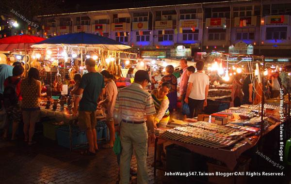 Chiang Mai Night Bazaar-Anusarn Market4.jpg