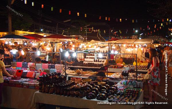 Chiang Mai Night Bazaar-Anusarn Market10.jpg
