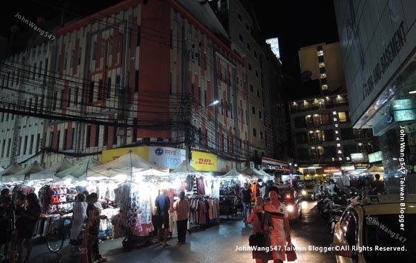 baiyoke sky hotel Night Market.jpg