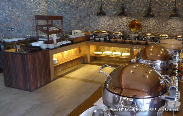 U Pattaya Hotel breakfast.jpg