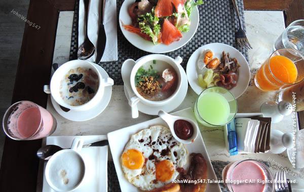 U Pattaya Hotel breakfast1.jpg