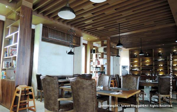 U Pattaya Hotel Papillon Restaurant1.jpg