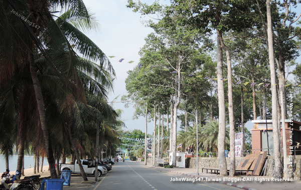 Pattaya Bang Sa-Re Public Park Bang saray beach.jpg
