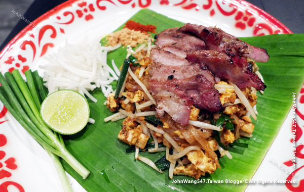 Baan Phadthai Phad Thai Moo Yang.jpg