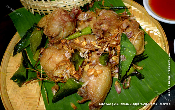 Baan Phadthai Gai Tod Deep fried chicken2.jpg
