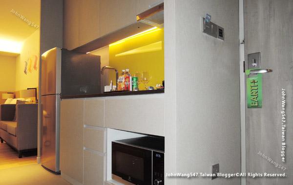 Modena by Fraser Bangkok Hotel room.jpg