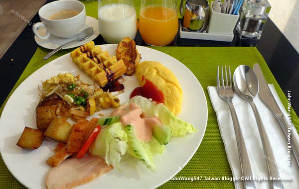 Modena by Fraser Bangkok Hotel breakfast2.jpg