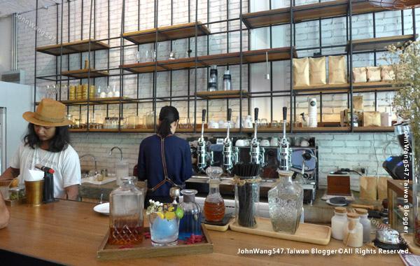 Nimmanian Club cafe Chiang Mai1.jpg